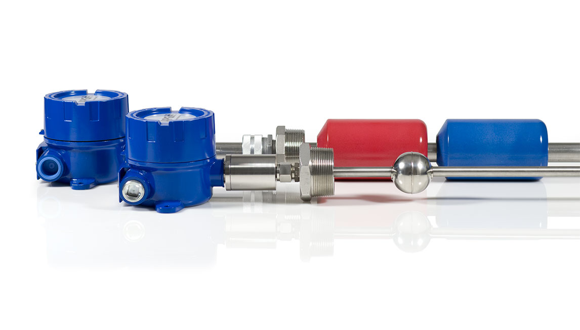 APG Continuous Float Level Transmitter