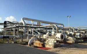 Horizontal pumps maintain pressure in caverns and clarifier wells