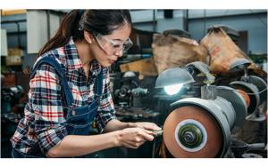 Manufacturing Gender Gap