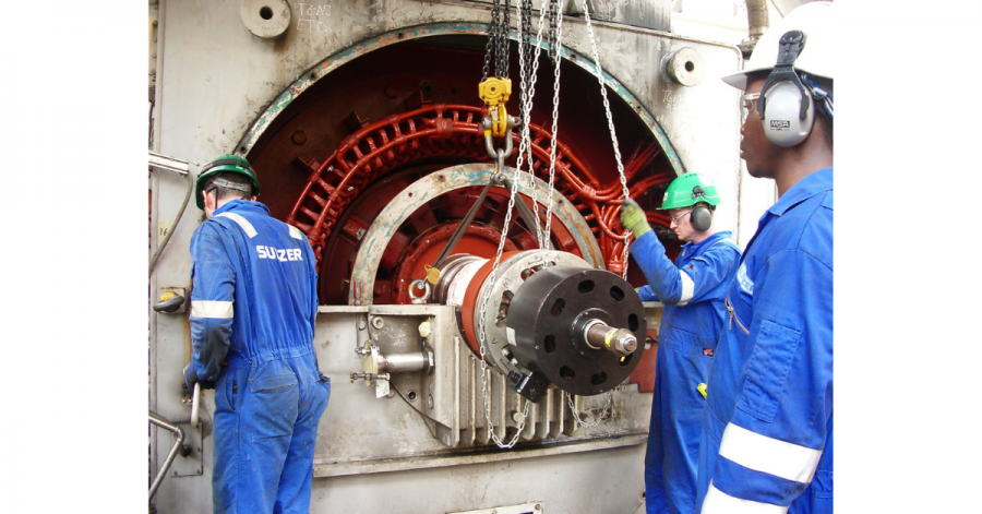 Sulzer Reinstalling the rotor as the project draws to a close