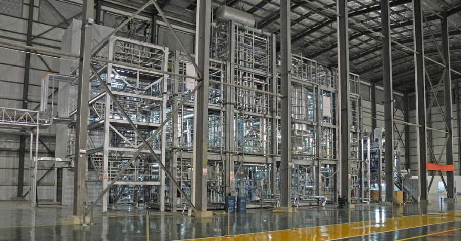 Sulzer delivered a customized project that allowed the manufacturer to swiftly begin producing 30'000 tonnes of recyclable, compostable bioplastic manufacturing
