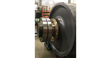 Inpro-Seal Large Pillow Block and Pulley Avoid Removal in Mining Application